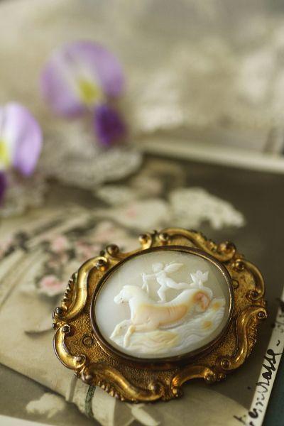 アンティークカメオブローチ 天使 シーホース ヴィクトリアン イギリス