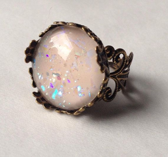 Handmade vintage ring with glass and pink theme