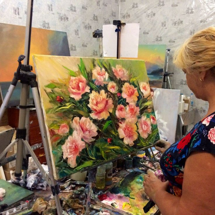 Меня зовут Полина Сахарова, я провожу мастер классы живописи в Москве. Не знаете куда пойти? Вы напишете красивую картину маслом на холсте с моей помощью за 4 часа. Стоимость 2500 р - все включено! Спешите записаться +79153401133 розовые пионы цветы букет красивая картина яркая холст масло живопись арт art master class oil paint painting studio москва уроки живописи маслом научиться рисовать хенд мейд своими руками краски художник искусство handmade идеи творчество импрессионизм мастихин