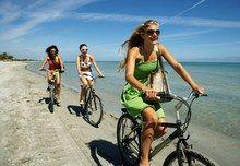 In bicicletta sulla spiaggia!