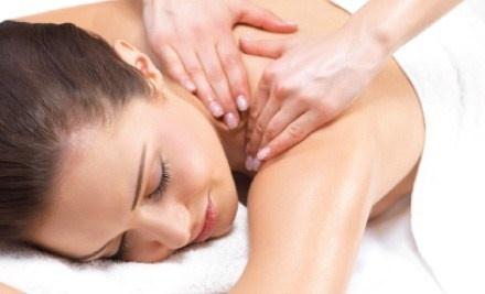 Massagem Relaxante: Técnica de massagem tradicional, visando o relaxamento e o bem-estar.