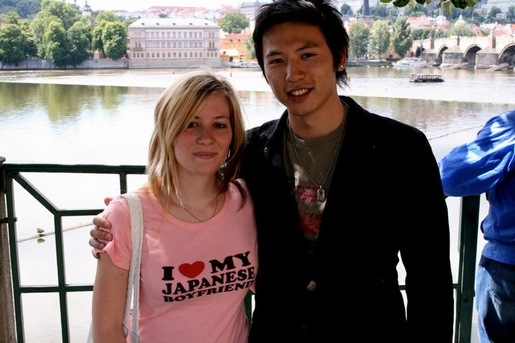 French expat in Japan Marion Chamaret & her Japanese boyfriend (10 signs your boyfriend is Japanese - Matador Network)