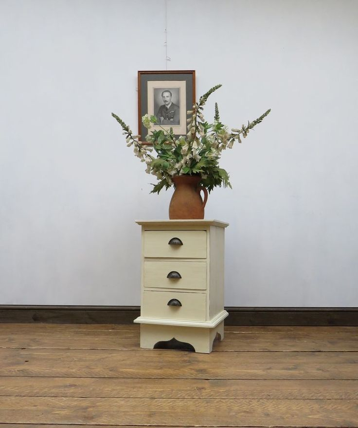 Shabby Chic Bedside Chest Drawers #ShabbyChic #ShakerStyle