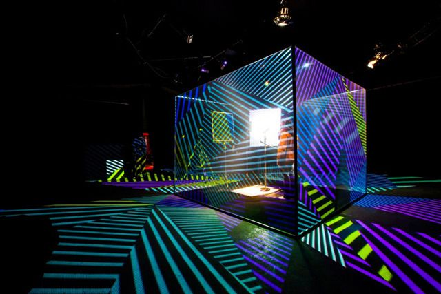 Jamie Lidell Controls A Stunning Projection Mapped Cube Using A Mic Stand