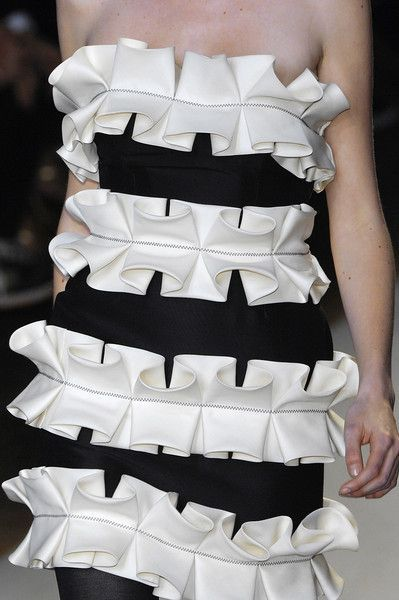Monochrome dress with 3D box pleat detail - fabric manipulation for fashion; creative sewing ideas; decorative pleating // Giambattista Valli: