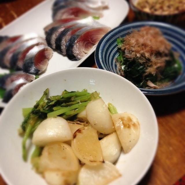 今日も〆鯖。脂のりのり。 - 29件のもぐもぐ - カブ塩麹炒め、小松菜おひたし、炒り豆腐、〆鯖。 by raku0dar