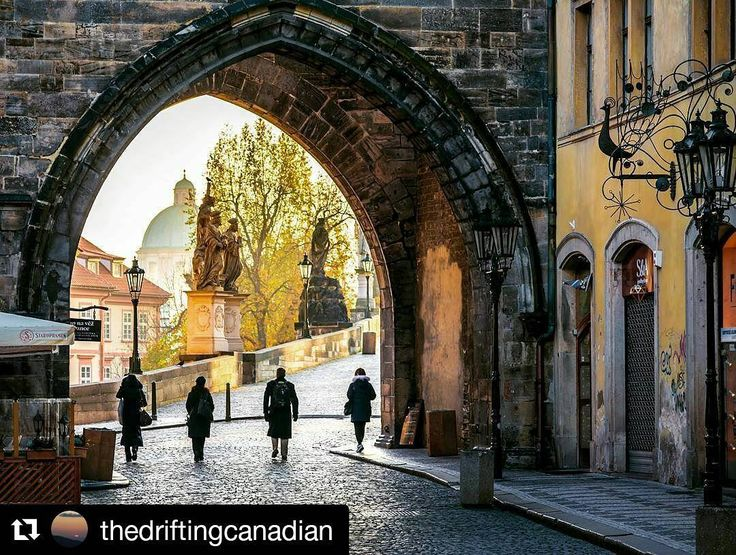 #Repost @thedriftingcanadian in Prague  Good company makes up for freezing cold.  #Prague #holiday #travel #thedriftingcanadian