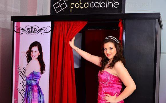 Cabine de fotos: ofereça uma lembrança divertida para seus convidados - 15 anos - CAPRICHO