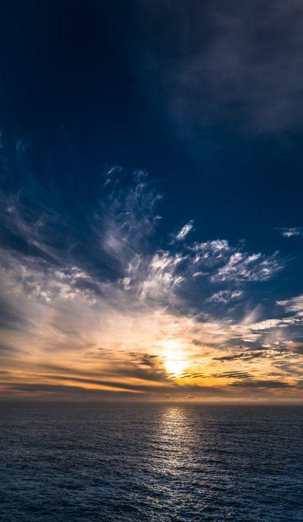 Вертикальный панорамный закат.  Big Sur, Калифорния