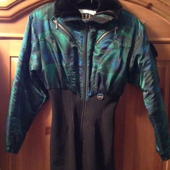 Ski/snow suit with matching hat by Nils Awesome ski snow suit with matching hat…