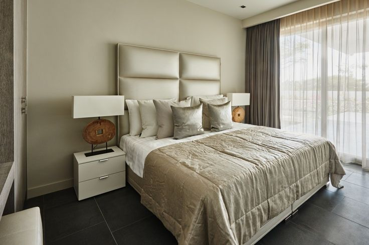 Mrs.Me home couture bed-end spread Silverpad  – Villa Royale Curacao project by Eric Kuster