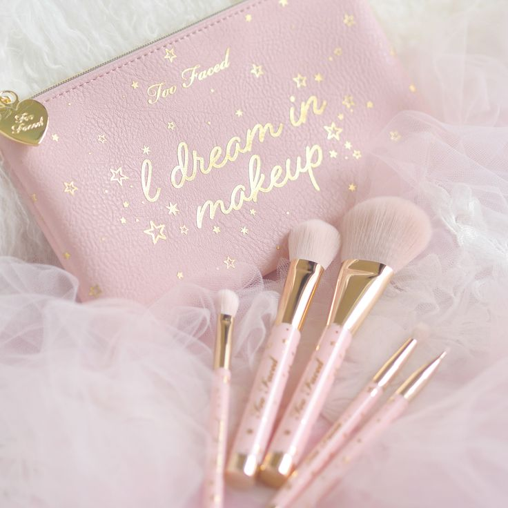 Nov 25, 2018 - 'Tis the season to make your pink Christmas dreams and festive beauty wishes come true, with the adorable new Christmas 2018 collection from your fairy godmothers at Too Faced HQ. I got my hands on three of the beautiful sets and I've been so eager to share them on here in all of their pink…