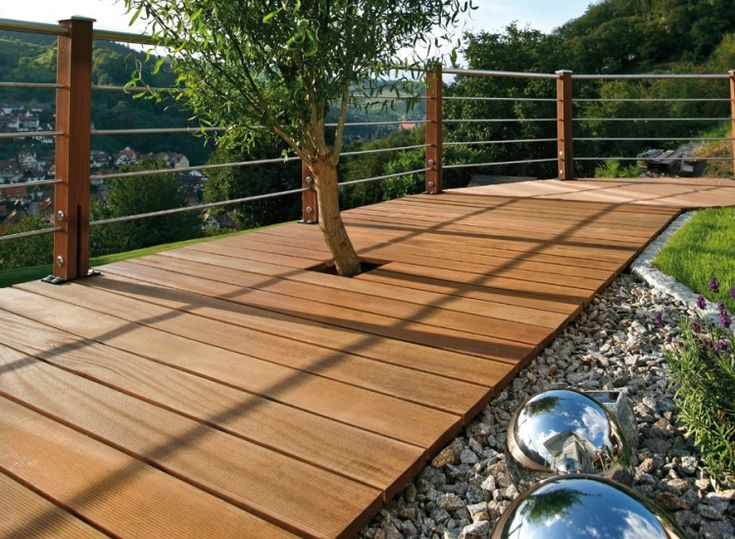 Terrasse en bois exotique- le bankiraï à utilisation extérieure