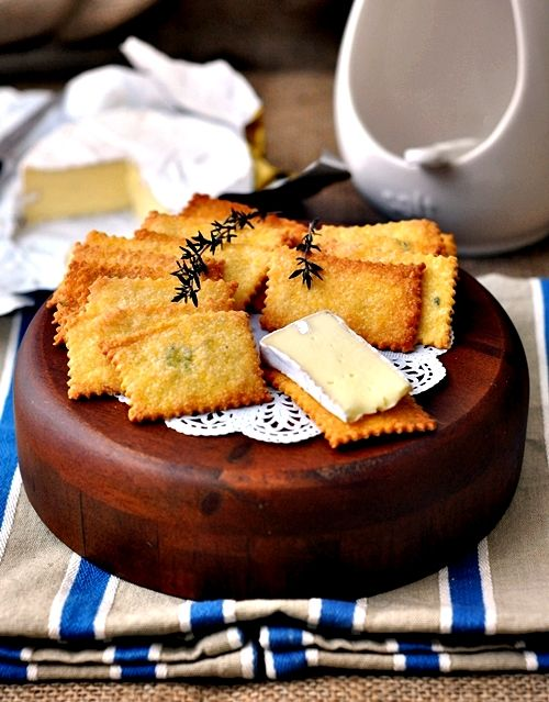 Polenta, Parmesan & Thyme Crackers    Personalised your cheese platter with homemade crackers