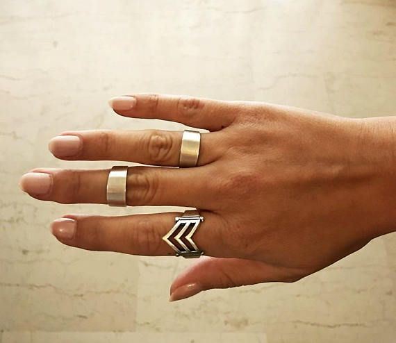 Beautiful and simple silver plated brass boho rings. Fabulous worn alone or stacked together. Easy and comfortable. You can wear it also as a chevalier or knuckle (midi) ring.  Size is adjustable.  Inner diameter : 0,63 / 16 mm -to- 0.79 / 20mm   Our Items are handmade and may have slight variations between the same items. Minor imperfections can be possible on leathers, which is what makes them unique!  Colors may vary slightlly on your computer screen based on your settings.  ****...