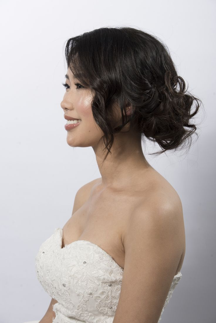 This messy bun is perfect for any bride who wants an effortless look. Paired perfectly with fresh glowing skin. Hair and makeup by Zoe Zhu Hair and Makeup www.zoezhu.com.au