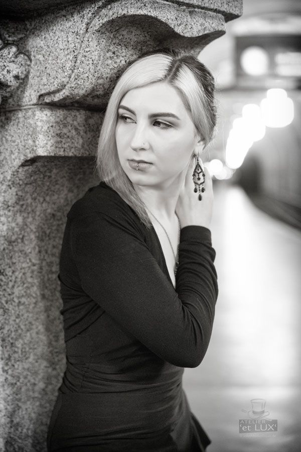 Session 'Saturday night'  Photography: Atelier 'et Lux' Model: Ann van Brown