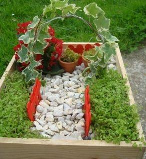tuto pour fabriquer un jardin miniature jardiner. Black Bedroom Furniture Sets. Home Design Ideas