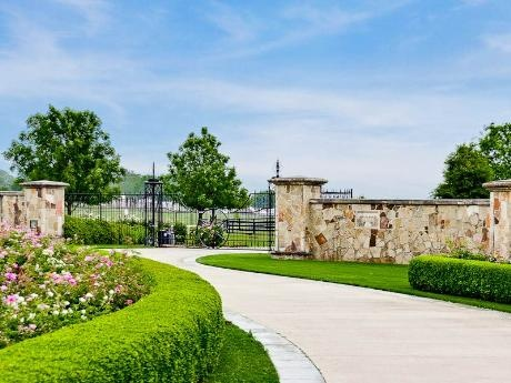 17 best images about driveway entrance on pinterest for Luxury ranch texas