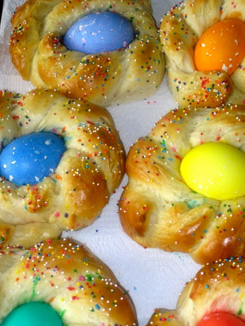 The Cultural Dish: Buona Pasqua! Happy Easter with Italian Easter Egg Bread