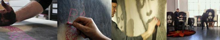 """""""Il disegno non si inventa, esiste da sempre, è origine, iniziazione. Pensa alle grotte di Altamira, ai graffiti egiziani, mesopotamici, maya, ai grandi disegni rupestri del deserto libico o sahariano… Le mie strade portano al deserto…."""" [Omar Galliani - Autointervista]"""