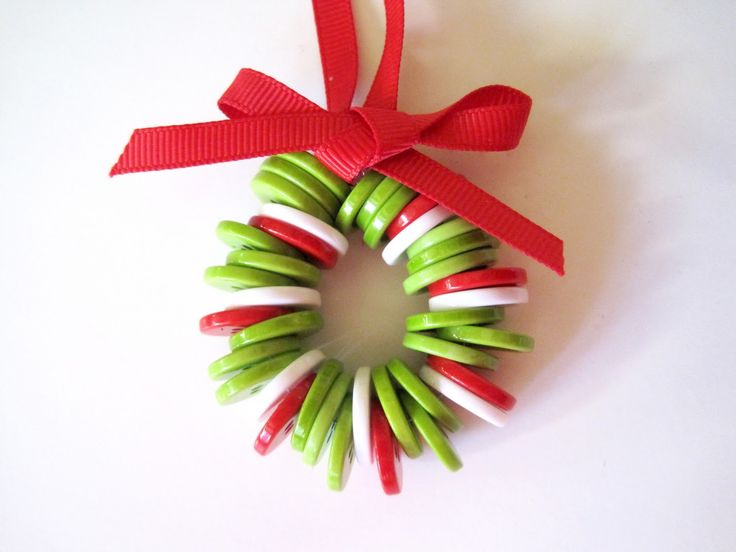Button Wreath A Cute Easy Idea The Girls Would Have Blast Kids CraftsToddler Christmas