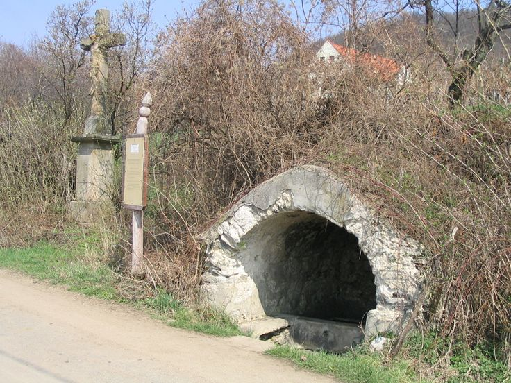 Öreghegyi kút (Szentbékkálla közelében 0.7 km) http://www.turabazis.hu/latnivalok_ismerteto_165 #latnivalo #szentbekkalla #turabazis #hungary #magyarorszag #travel #tura #turista #kirandulas