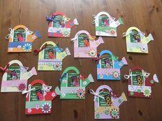 Traktatie voor leerkrachten. Gietertje maken van papier en zakje bloemenzaadjes erop! Gevonden op de actionfanpagina van facebook.