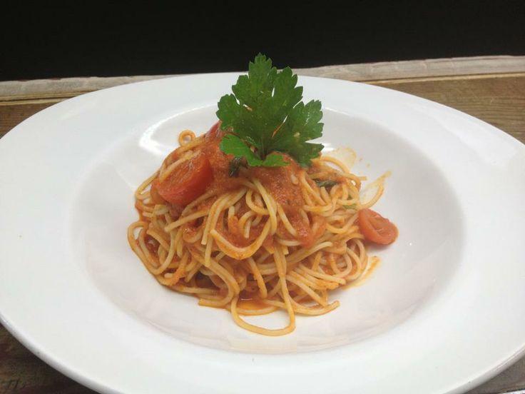 Spaghetti al Pomodorino di Pachino. www.piattitalia.com