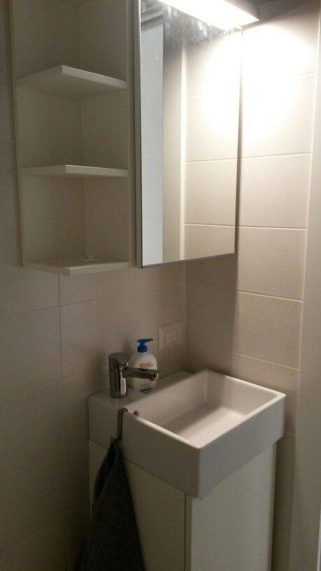 bagno piccolo ikea lavarina bianco specchio contenitore