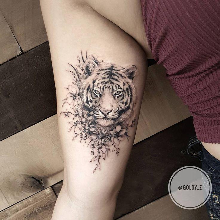Blumentiger-Tattoo auf dem Arm von @goldy_z #tattoos