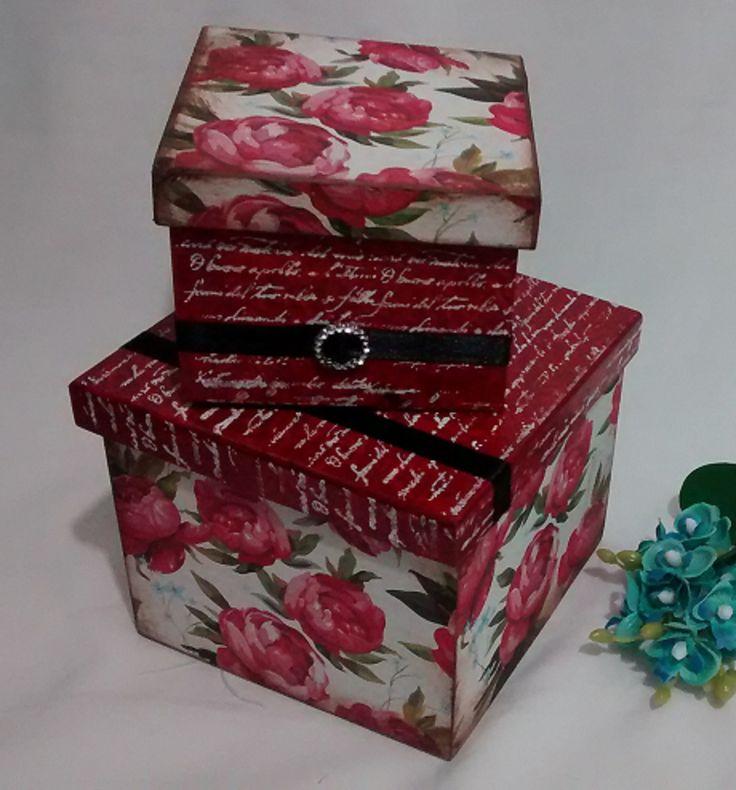 Dupla de caixas decoradas.  Medidas 15x15x14cm e 12x12x10cm.  Com pintura e decoupagem em mdf.