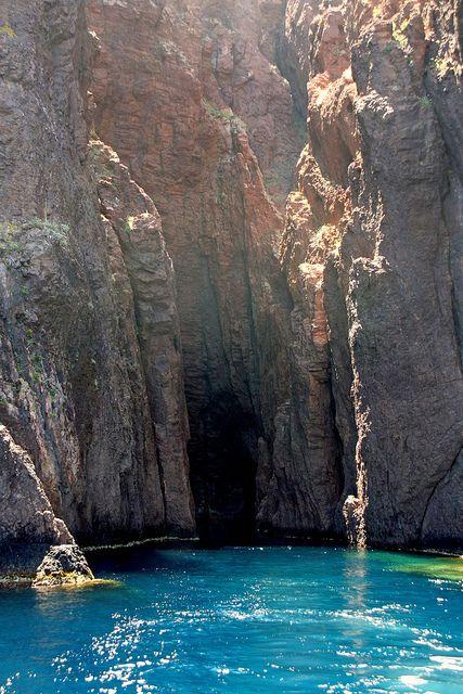 Scandola nature Scandola nature reserve, Corse Ailleurs communication, www.ailleurscommunication.fr Jeux-concours, voyages, trade marketing, publicité, buzz, dotations