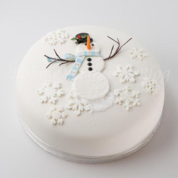 Snowman cake by Craftsy member Bobbiesbaking