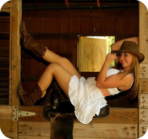 <3: Pictures Ideas, Photo Ideas, Sr Photo, Girls Photography, Cowgirl Photoshoot, Cowgirl Ideas Photo, Shooting Ideas, Photo Shooting, Photography Ideas