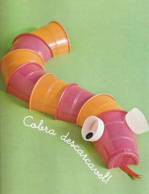 Reciclagem e Sucata: Bichinhos de copos descartáveis