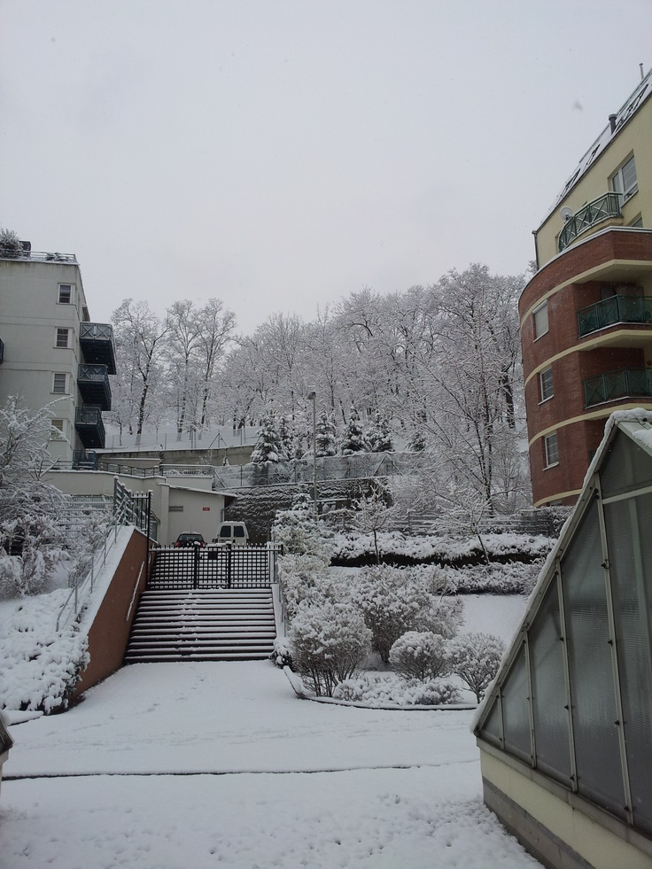 Snowy Zizkov (Pod Parukarkou Street)