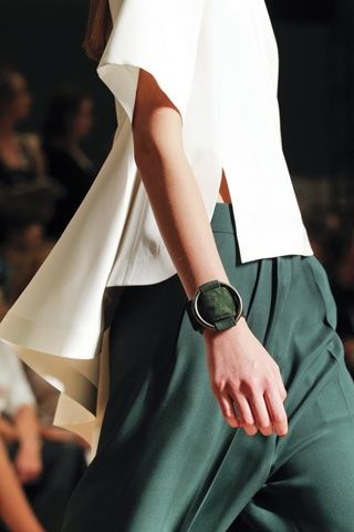 Visibly Interesting: forest green and cream