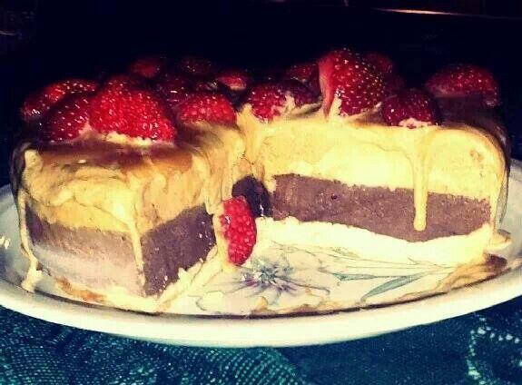 Fig brownie cheesecake