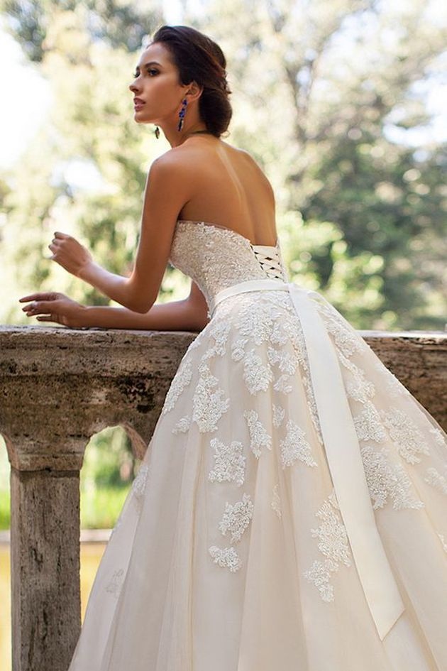 """Recycle and reuse wedding dress ideas for all brides! """"Recycle and reuse wedding dress ideas for all brides!"""" Recycle and reuse wedding dress ideas for all brides! http://jogwag.com/?p=6645"""