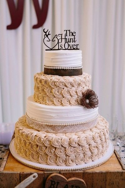 Four-tier country chic wedding cake - rosettes, pearls, burlap and lace details {Lois Elaine Photographie}