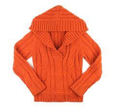 M (8) / Orange hooded sweater / Chandail à capuchon orange | Changeroo.ca