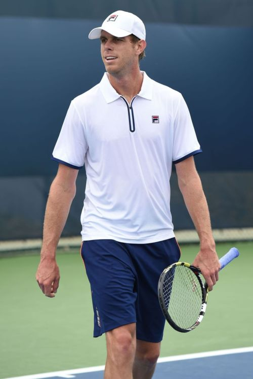 lovely tennis outfits for men 13