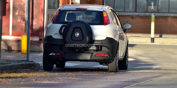 Fiat Punto Avventure to be unveiled at the 2014 Indian Auto Expo