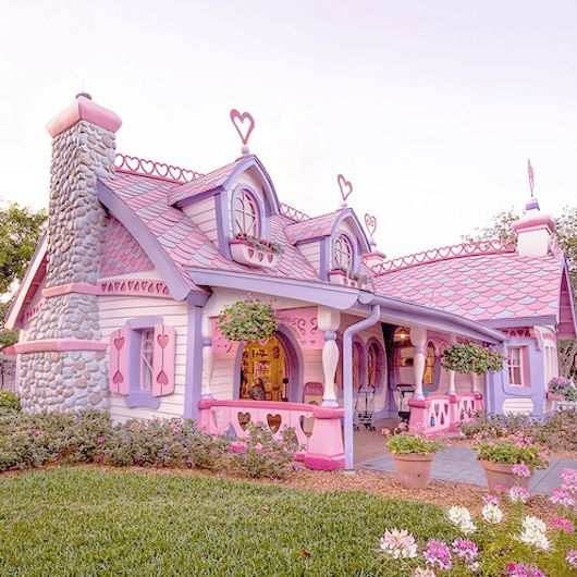 Isabella's little pink house