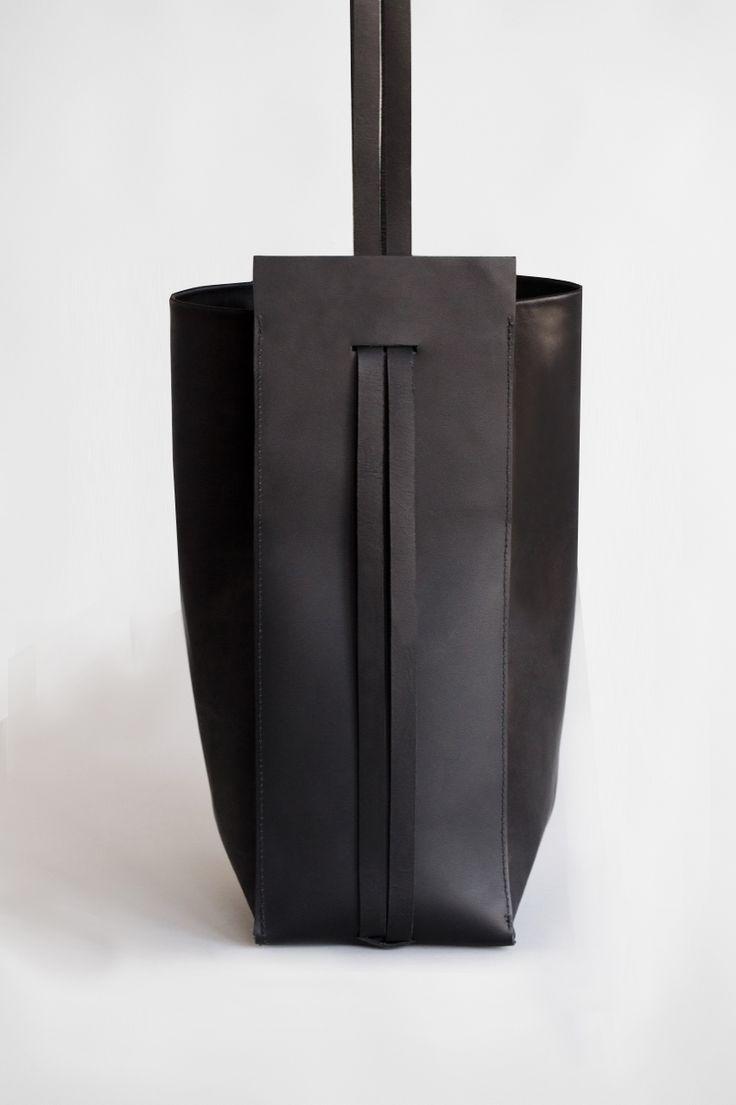 BLACK SLING BAG | CHIYOME - Minimalist Handbags