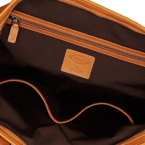 Tod's for Ferrari - Medium Shopping Bag #ferrari #ferraristore #tods #accessories #bag #shoppingbag #leather #madeinitaly #prancinghorse #cavallinorampante #myferraristore #musthave #ss2014 #springsummer #men #accessory