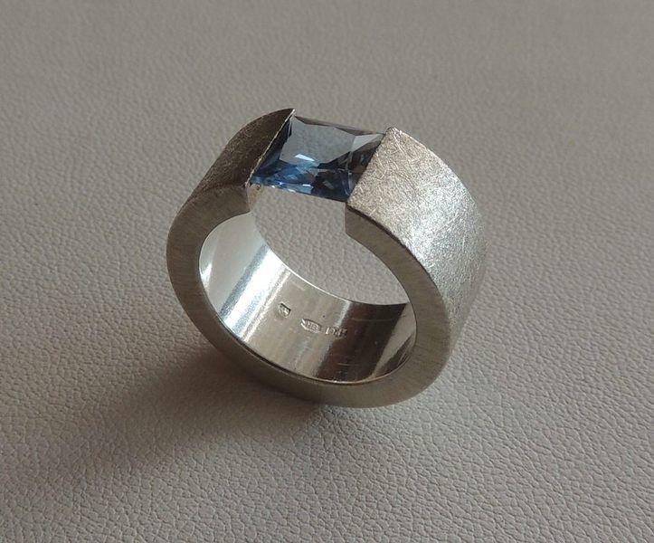 Ringe - Silberring mit blau Topas - ein Designerstück von Erika-Wagner bei DaWanda