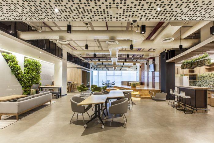 Northern Trust Offices Pune Office Snapshots In 2020 Design Consultant Office Interior Design Interior Architecture