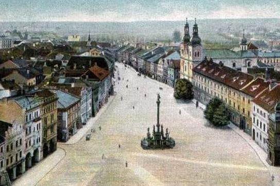 Staré náměstí v Hradci Králové ...